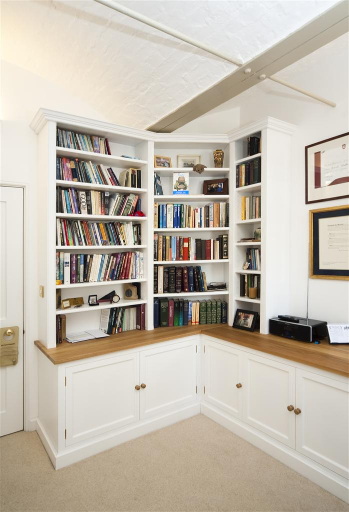 12) Fitted Study corner section