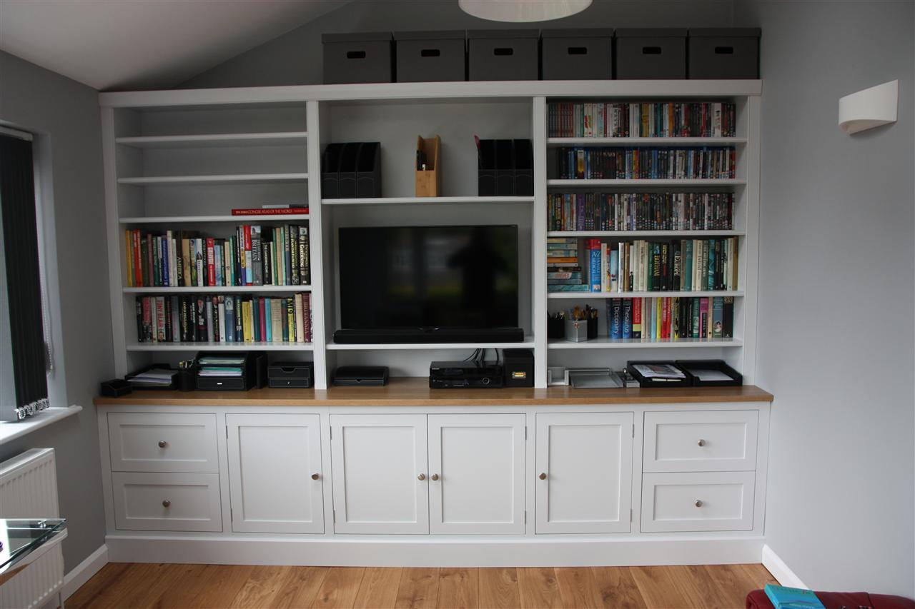 Tv and family room Where to put a bookcase in a room