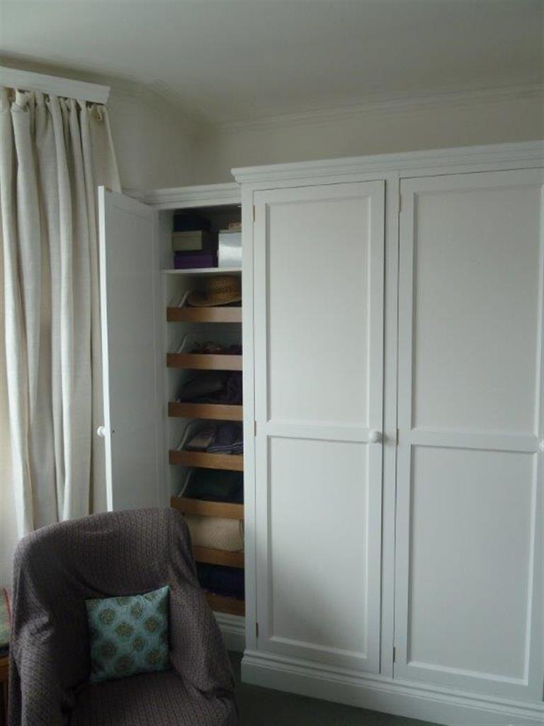 Extending knitwear shelves
